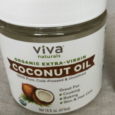 How Coconut Oil Can Make Pumping Breastmilk More Comfortable